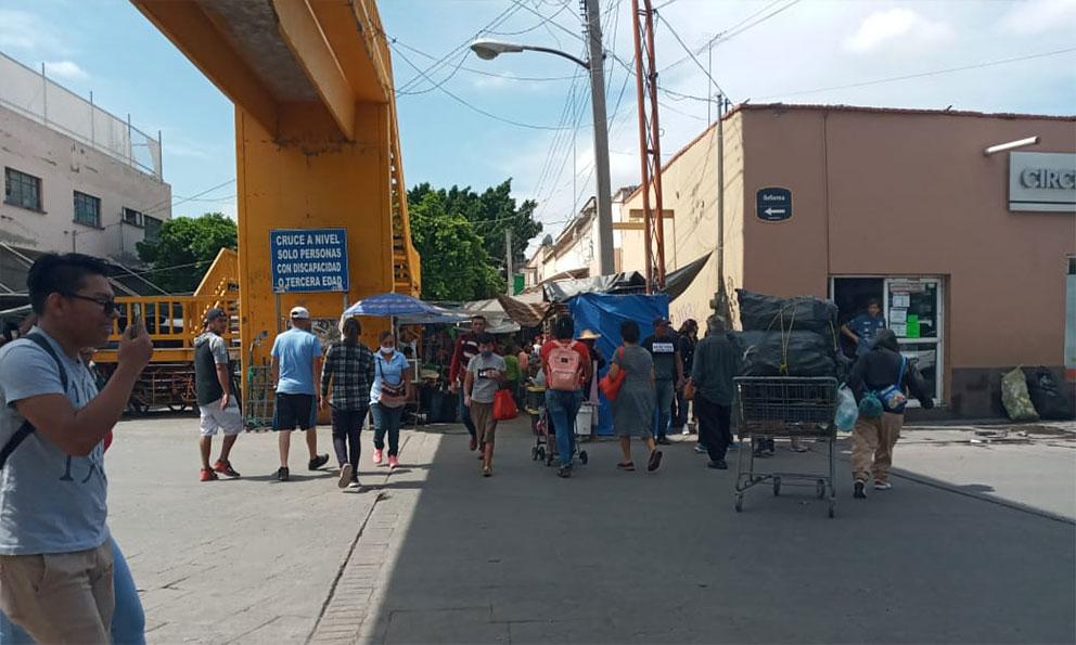 De adorno, puente peatonal de Reforma