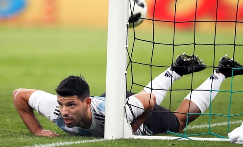 Sergio Agüero se descompensó en el partido amistoso de la selección  argentina contra Nigeria y ni 9c657dbe5c896