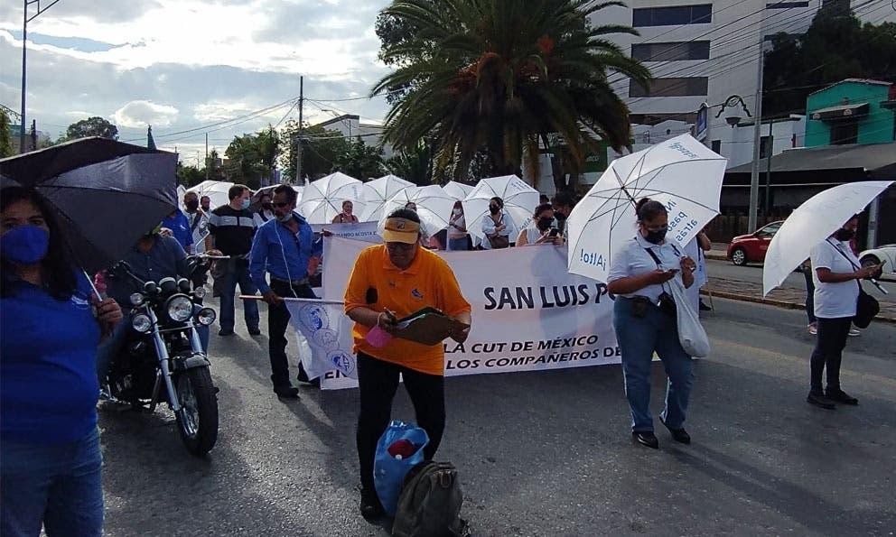 Burocratas se manifiestan nuevamente en Carranza
